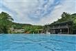 天然礦泉泳池