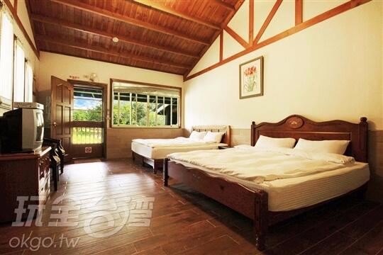 *獨棟甜蜜二人木屋 相片來源:埔里鯉魚潭七里山瑭民宿咖啡