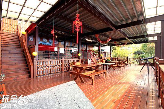 景觀餐廳烤肉區
