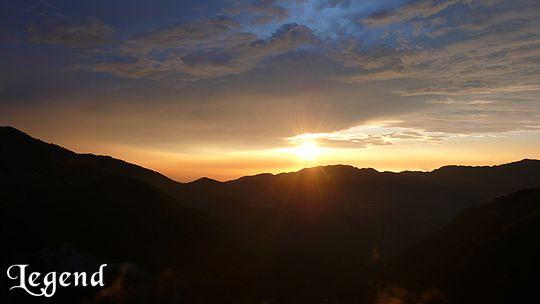 坐在景觀台前,看著太陽下山,讓自己完全放空,擺脫工作的壓力 相片來源:瑞里麗景民宿