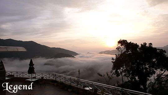 夕陽與雲海形成了一幅美麗的畫 相片來源:瑞里麗景民宿