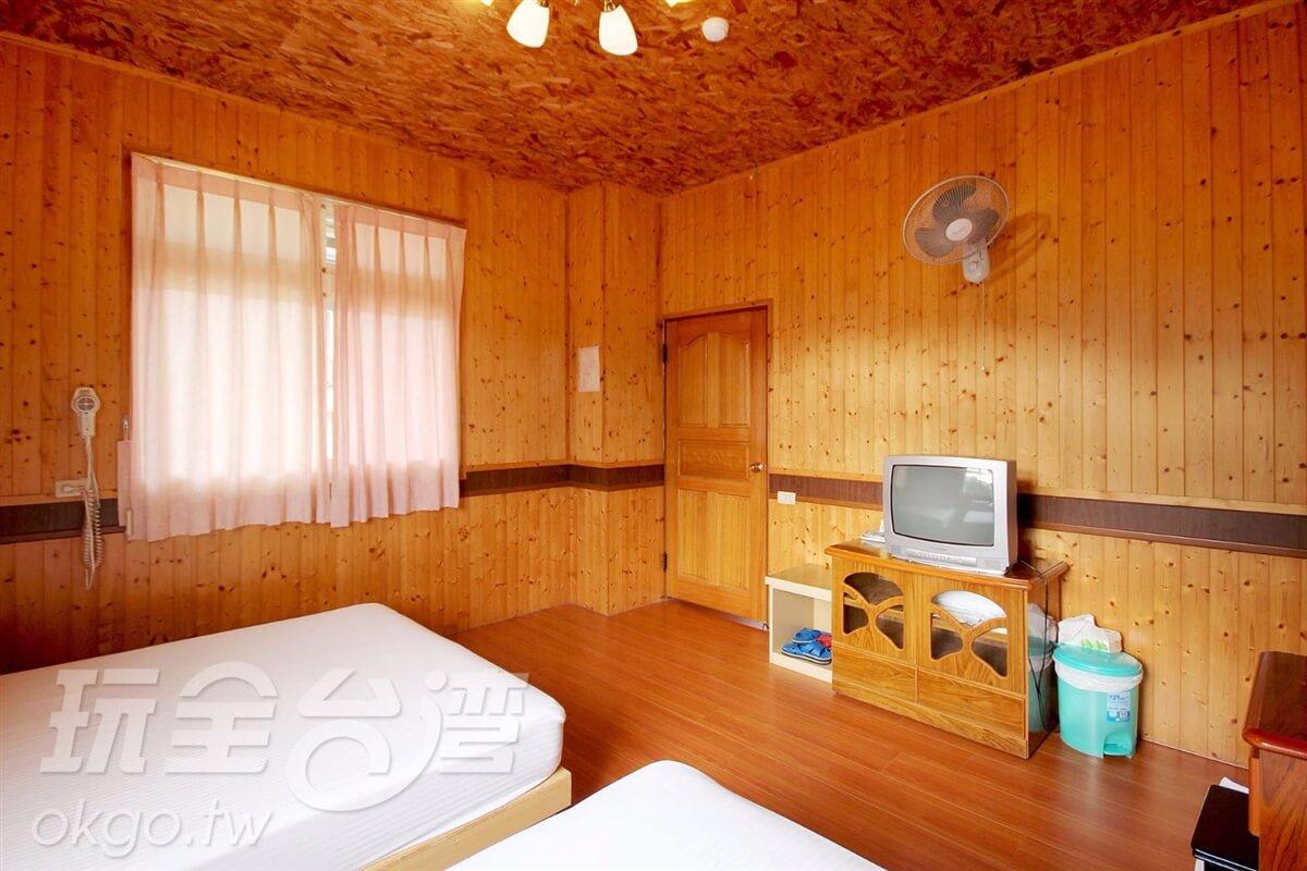 木屋溫馨四人房