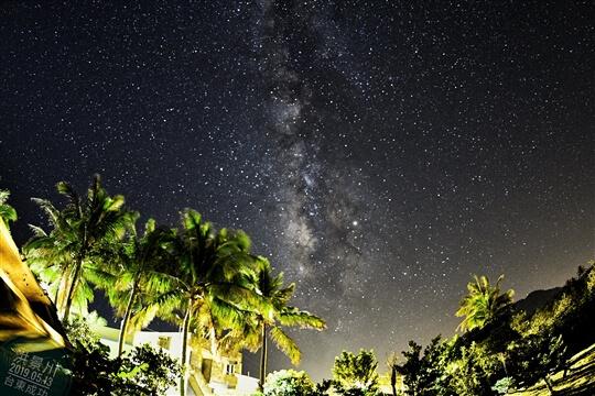 相片來源:台東民宿•擁月星宿(原福樟紅檜木屋)
