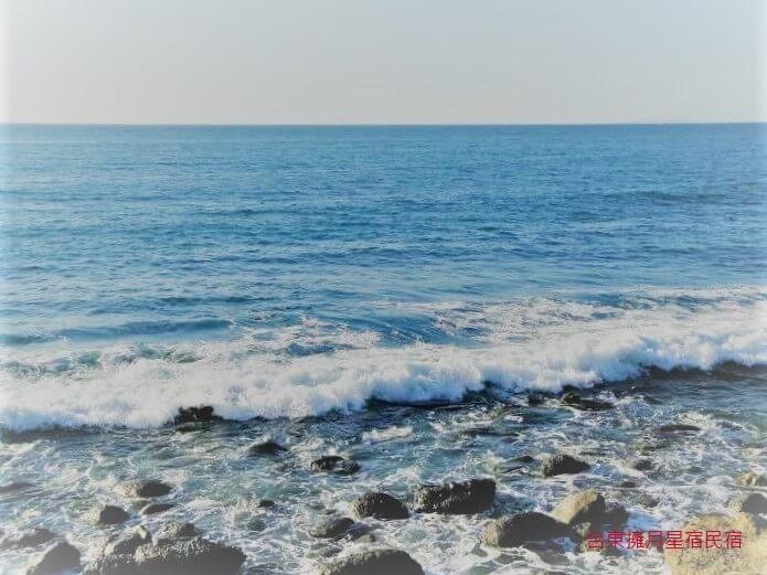 浪聲是洗滌身心的聽覺享受 相片來源:台東民宿•擁月星宿(原福樟紅檜木屋)