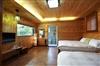溫馨木屋十人房