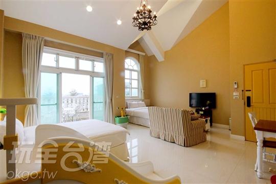 *2F黃色家庭房