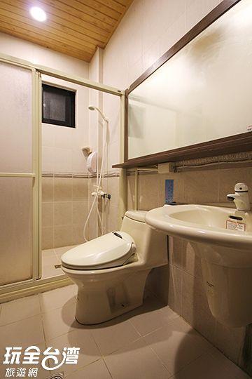 雅房共用衛浴