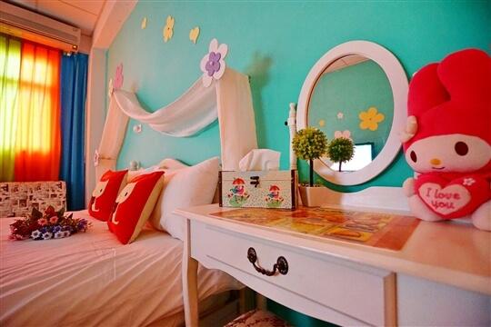 可愛風-彩色屋雙人房(經濟房-位於4樓) 相片來源:花蓮愛戀屋民宿