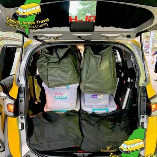 計程車超大空間-搬家、快遞、送貨都方便
