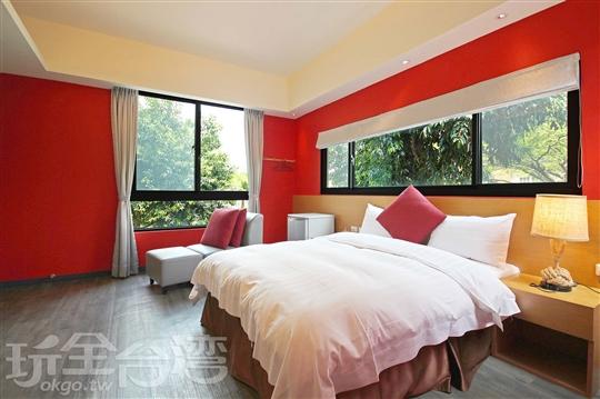2F 紅色約定/雙人房