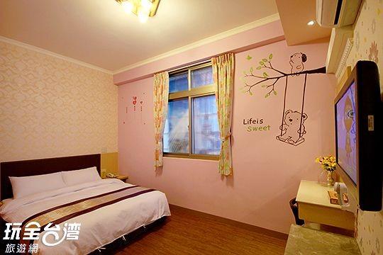 303 粉嫩花朵/二人套房