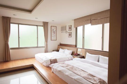D2【木地板】四人房