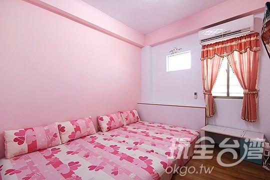 209-粉紅四人房