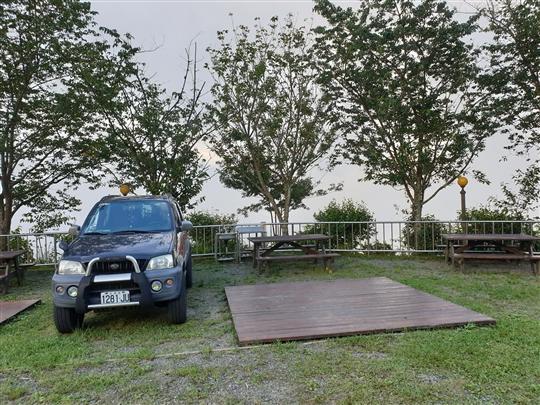 松木棧板營地