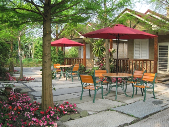 7.4人獨棟獨院-庭園景觀森林公主房-陽台、溜滑梯、單人按摩浴缸