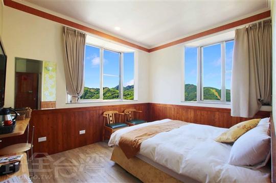 1.甜蜜景觀雙人房(一大床)