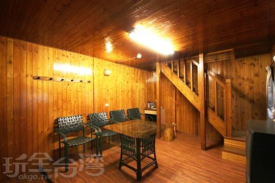 Y.10人獨棟木屋(三房雙衛一廳)