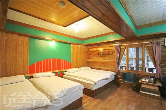Q. 6人房/雙房雙衛房型