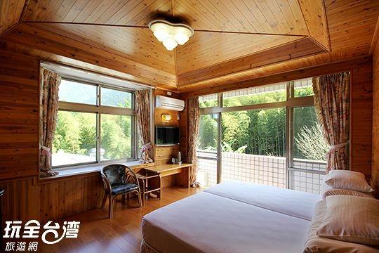 蜜月雙人景觀套房(316)含冷暖氣附車位