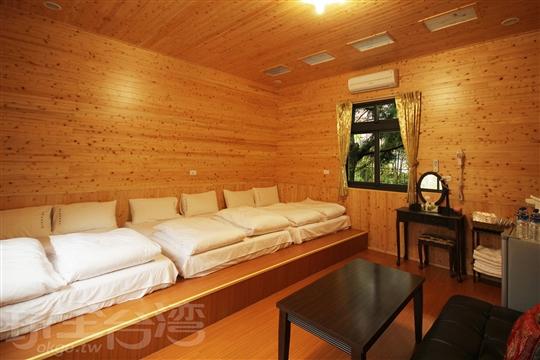 和室六人小木屋