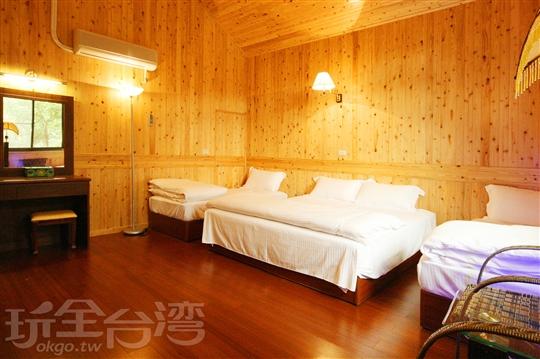 獨棟木屋四人精緻套房