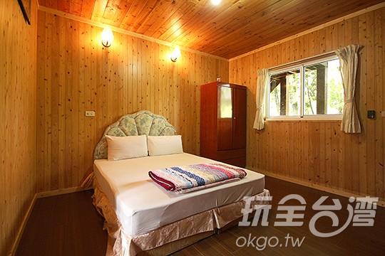 1.木屋二人房