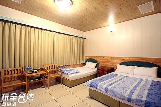 3人房 / 一大床+一單床