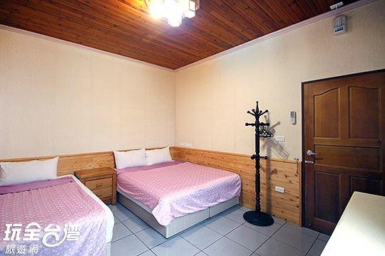 【可包棟】3人房 / 一大床+一單床