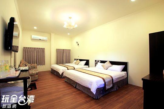 301 四人套房 附B棟客廳 (Family suite)