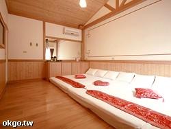 6: 歡樂天地─和式木屋五至七人大套房