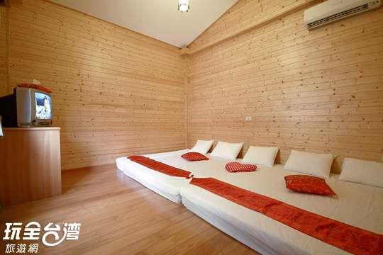 3花開富貴和式木屋五至六人大套房