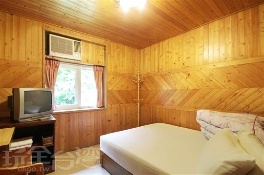 杉木雙人房