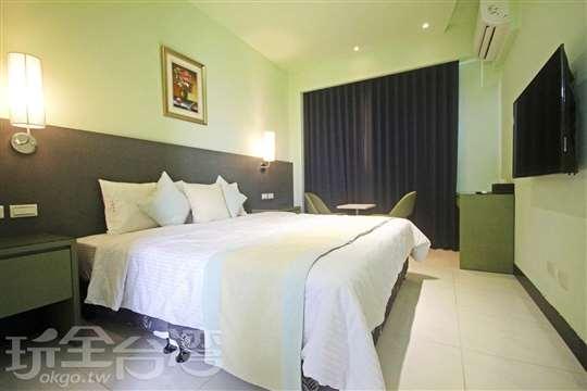 301雙人房(加大雙人床)