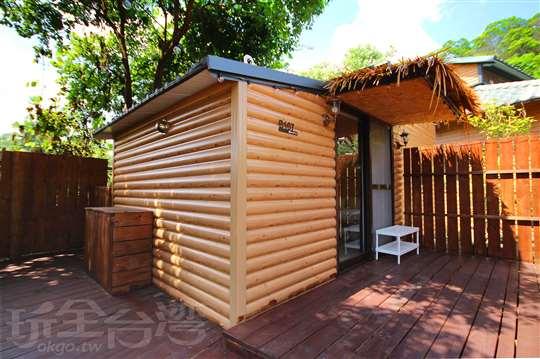 樓中樓木屋六人房(3張標準雙人床)