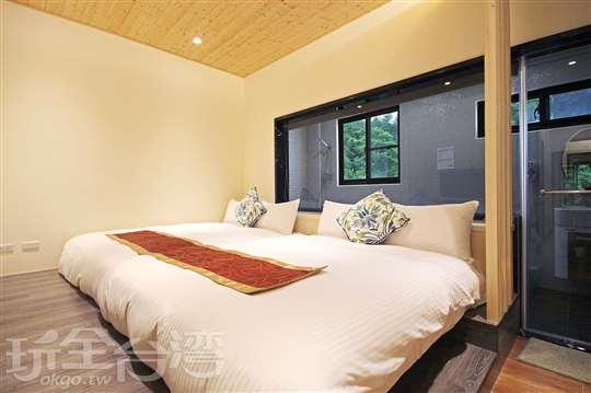 303豪華特大浴缸四人房
