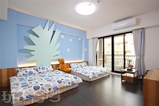 藍空四人房