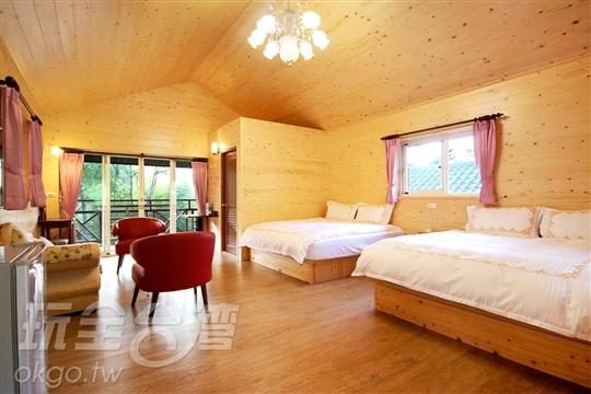 小木屋四人套房
