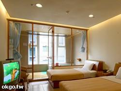 TA溫馨雙人房二小床