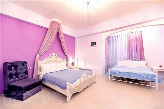 1.紫色夢屋4人房(2F)