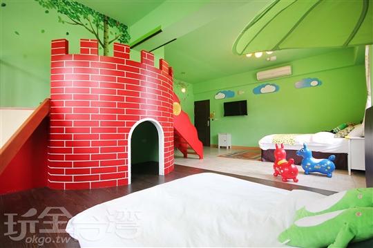 森林小青蛙房(2+2人)溜滑梯親子房)