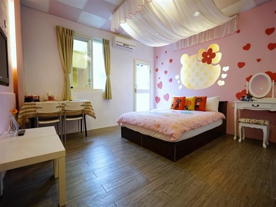 B-3.愛戀屋館:粉紅屋 2人套房(2樓/附浴缸/加大雙人床)