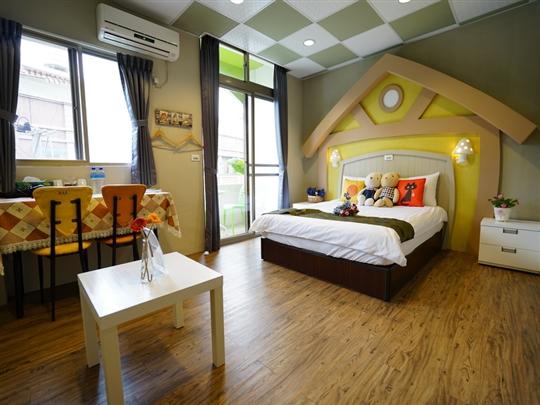 童話森林2人房(位於3樓/附浴池/加大雙人床/陽台)