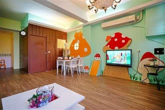 8~10人蘑菇包層:3房2廳2衛浴(位於3樓)