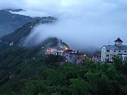 觀景台可一覽拉拉山夜景