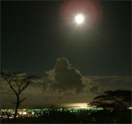 海闊的夜景