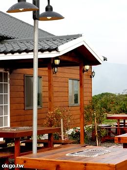 南方園渡假山莊-BBQ休閒檜木烤肉桌椅