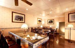 古風城民宿→寬敞典雅的餐廳提供中西式﹝自助式﹞現做新鮮早餐,有素食、葷食兩種,