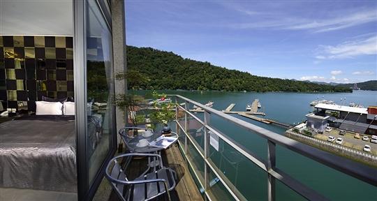 旅店眺望湖景景觀
