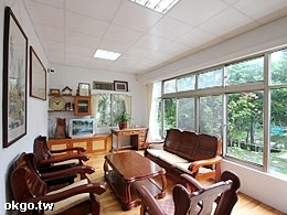 B棟-明亮寬闊的舒適客廳