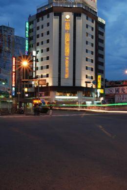 台中飯店‧達欣商務精品飯店|台中市火車站大飯店商務商旅旅店住宿hotels in taichang station taiwan